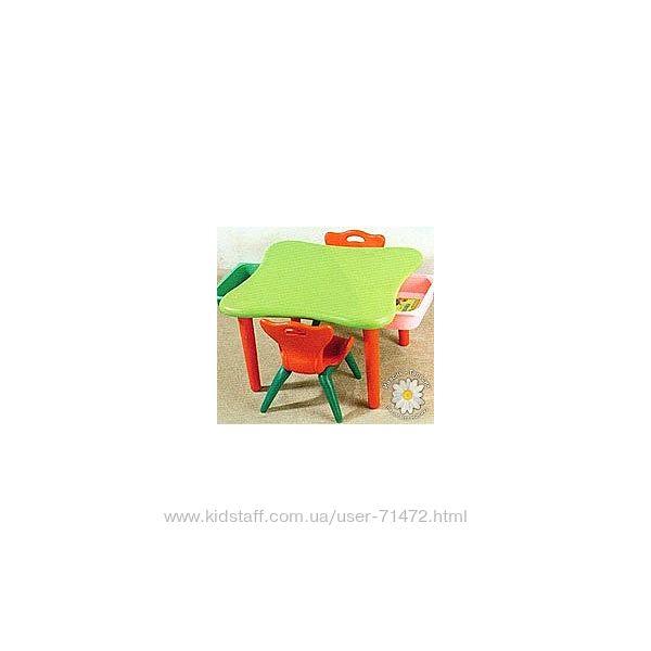 Стіл з двома шухлядками та Один стілець