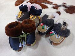 Детская обувь на овчине. Пинетки