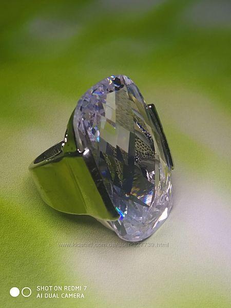 Кольцо с большим овальным камнем, р.18, арт.0105005