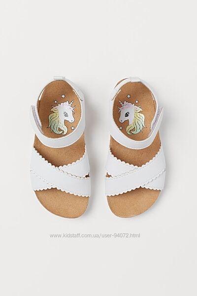 H&M Классные удобные и легкие сандалики размеры 29