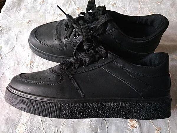 Кроссовки женские новые черные 38 разм эко кожа