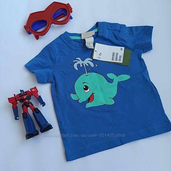 яркая синяя футболка для мальчика h&m на 4-6 мес