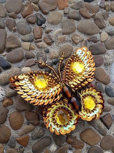 Бабочка Золотая, брошь из бисера ручной работы