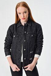Куртка джинсова жіноча Armani Exchange Куртка джинсовая Армани Иксчендж Ори
