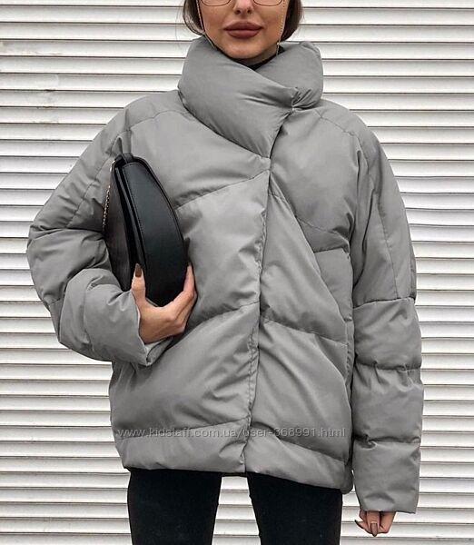 Короткая весенняя женская куртка женская