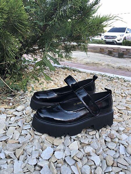Туфли натуральный лак Evie р.39,40