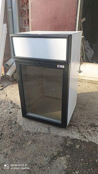 Бу компактный барный холодильник UGUR