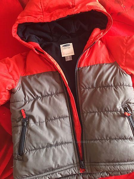 Продам красивую демисезонную курточку от Old navy. Состояние идеальное.3г