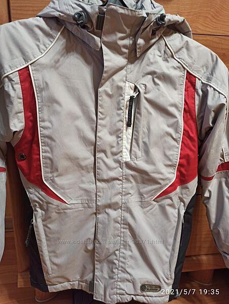 Лыжная куртка glissade р128. Очень хорошее состояние