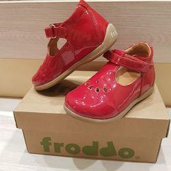 кожанные лакированные туфли froddo 22 рр