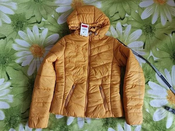 Теплющие куртки bershka в размерах М и Л