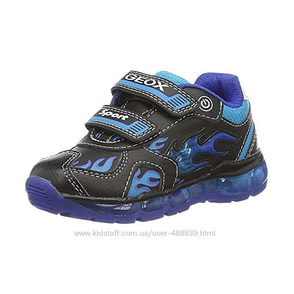 Geox кроссівки з мигалками 28 розмір.