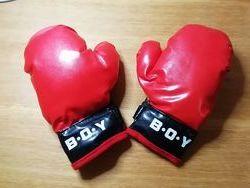 Боксинг груша с перчатками