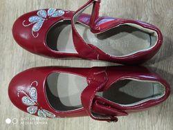 Туфли, кроссовки, валенки