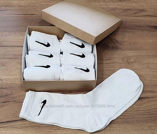 Набор носков в крафтовой коробке. Носки белые высокие