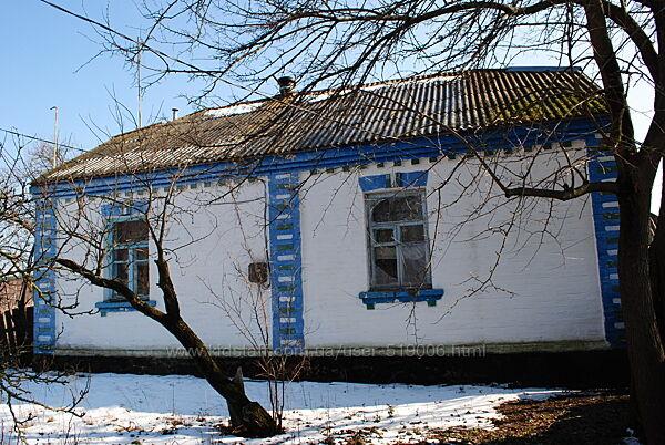 Продам дом 60 км от Киева по Житомирской трассе большой участок земли