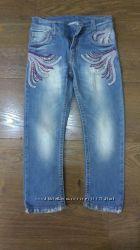 Продам  модненькие джинсы р. 98