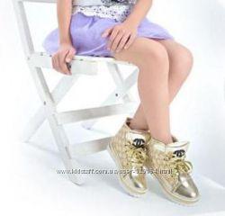 Супер модные высокие кроссовки на весну-осень Chanel