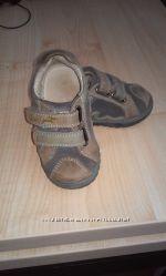 Обувка для первых шажков