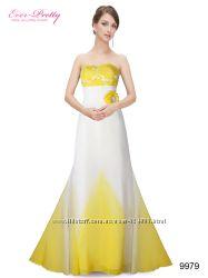 Белое вечернее макси платье со шлейфом