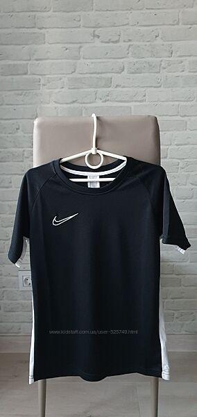 Футболка Nike 8-10л, оригинал