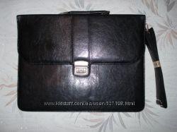 Продам портфель Удачная, недорогая модель.