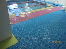 Модульное антискользящее покрытие для бассейна