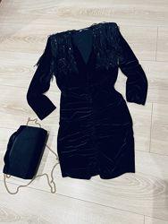 Новое платье Zara из бархата с подплечниками