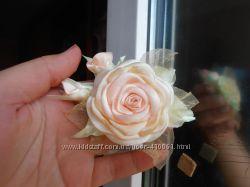 брошь роза с бутонами