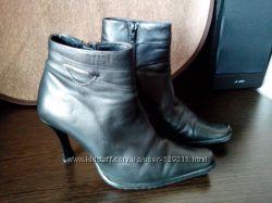 демисезонные ботинки 39р.