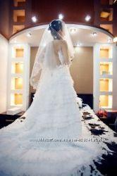 Ексклюзивное свадебное платье. Состояние НОВОГО. Франция. Пдарок .