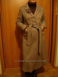 Пальто новое  NEXT с брошью.