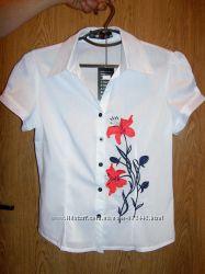 Нарядная блуза  разм. 42 в наличии
