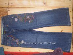 Отличные джинсы на 6-7 лет.