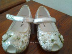 Взуття для дівчаток по 80гр