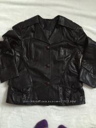 стильна і красива куртка розм. 50