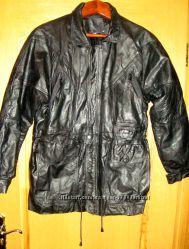 Куртка кожаная унисекс, БУ, р. 50-52
