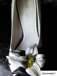 Продам летние открытые туфли-босоножки, оригинал BASCONI