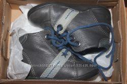 Кожаные ботиночки для самых маленьких Vertbaudet, размер 20, стелька 12 см