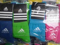 яркие спортивные носки