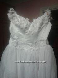 платье свадебное и перчатки