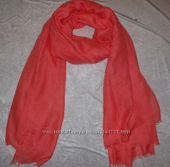 шарфы и палантин очень хорошего качества