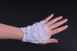Шикарные свадебные перчатки снизила цену
