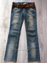 Стильные джинсы Motor.