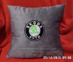 подушка вышивка логотип марка Крюковщина