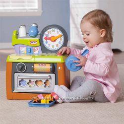 Развивающая кухня для малышей Little tikes со звуком и аксессуарами.