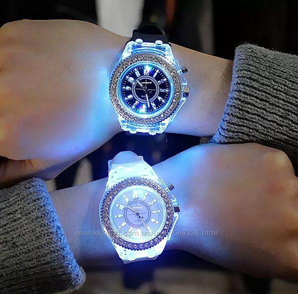 Женские часы силиконовый ремешок