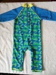 Для маленьких принцев плавки и солнцезащитные купальники.