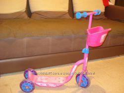 Самокат трехколесный для девочки от 2-х лет