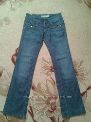 Очень красивые джинсы на девушку.